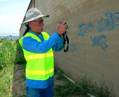 City of Riverside graffiti removal
